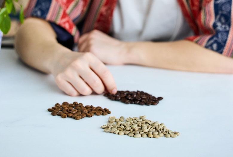 Uusien kahvimakujen kehittäminen vaatii usean eri kahviammattilaisen tietotaitoa